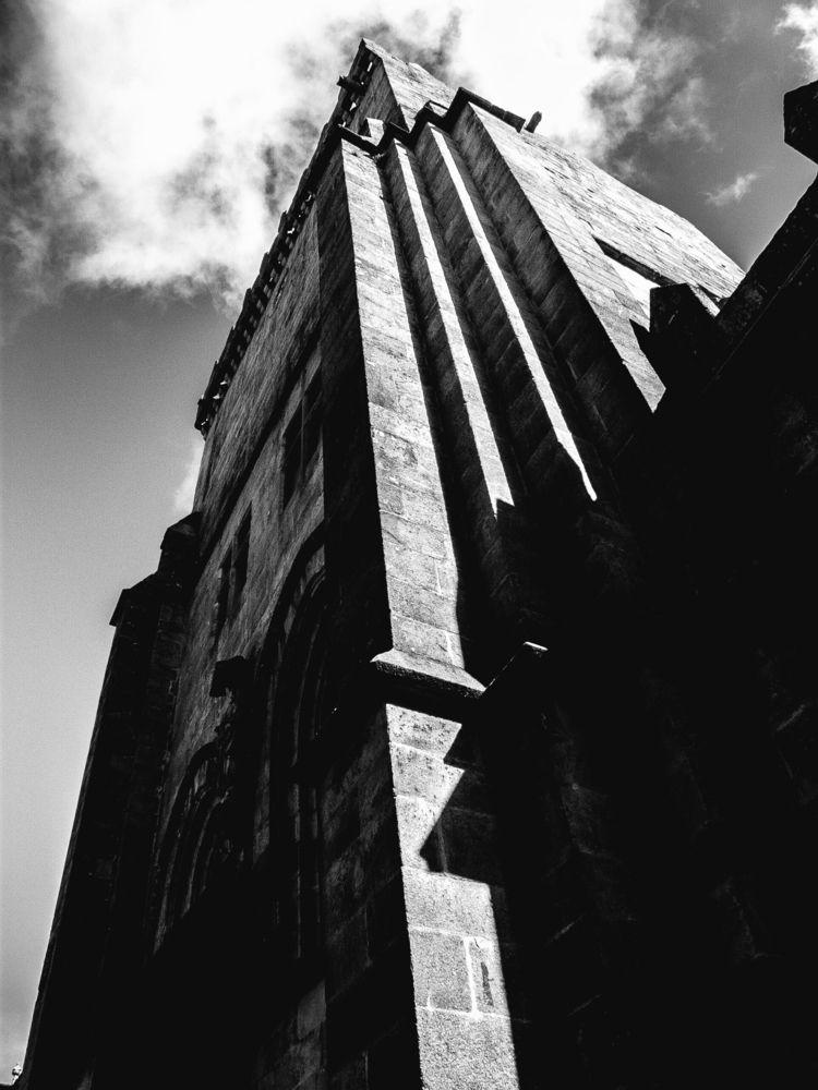man castle - castillo, blackandwhite - santi_dieste | ello