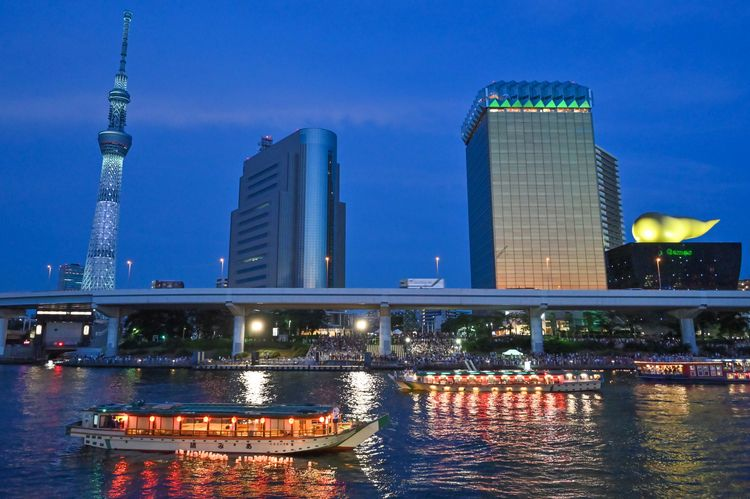 Sumida River day floating lante - yoshirou   ello