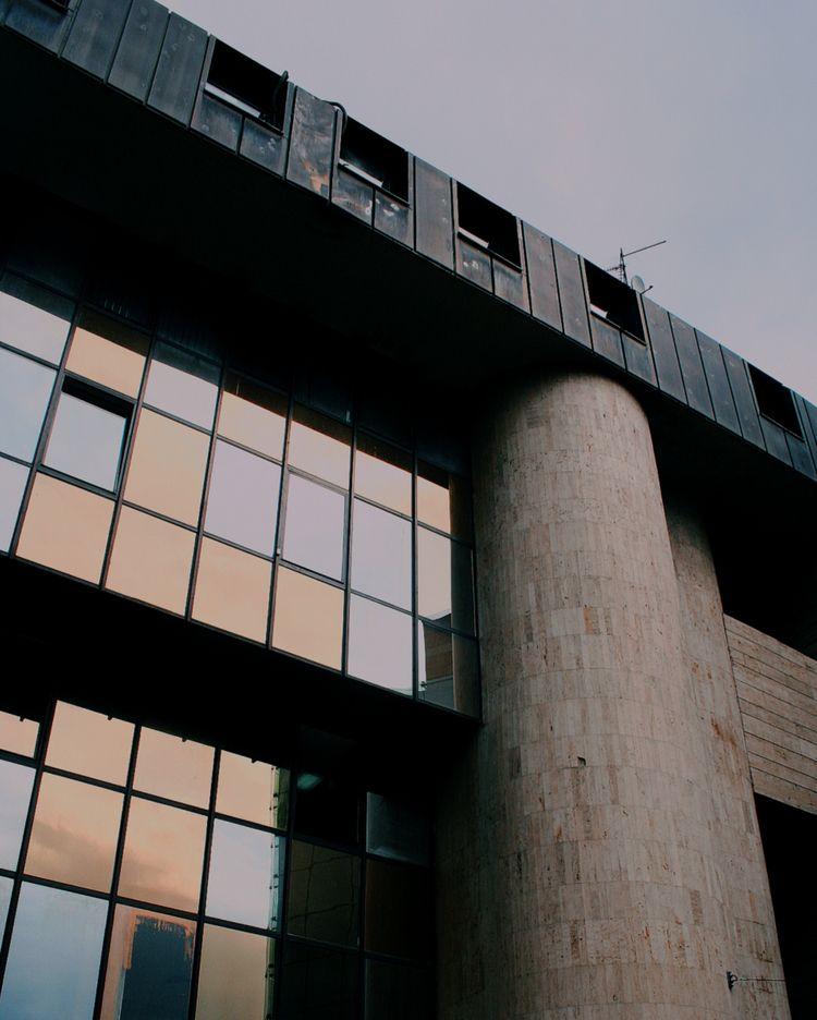 /#DocumentingSpace/ Parlament F - kwieta   ello