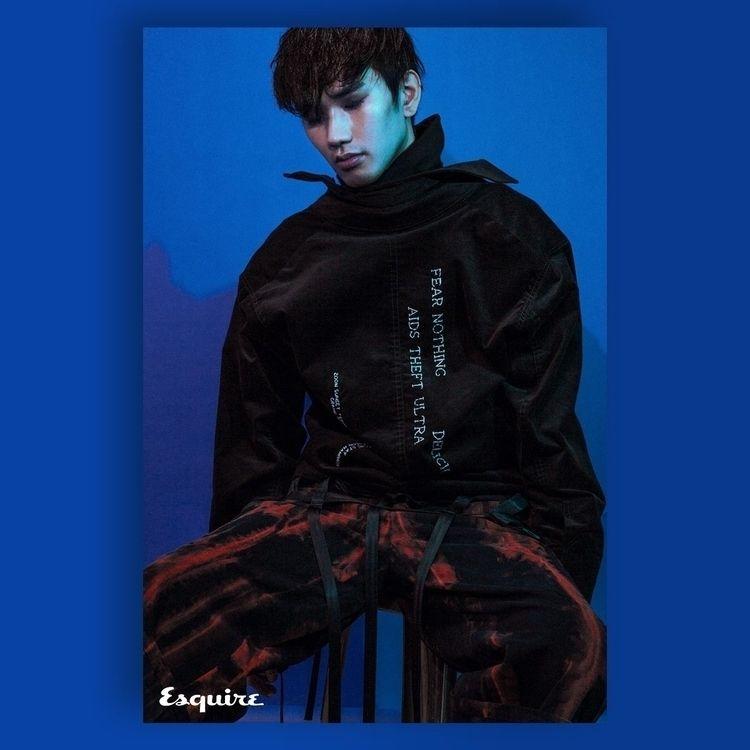 Copyright Esquire Taiwan - roberutsu   ello