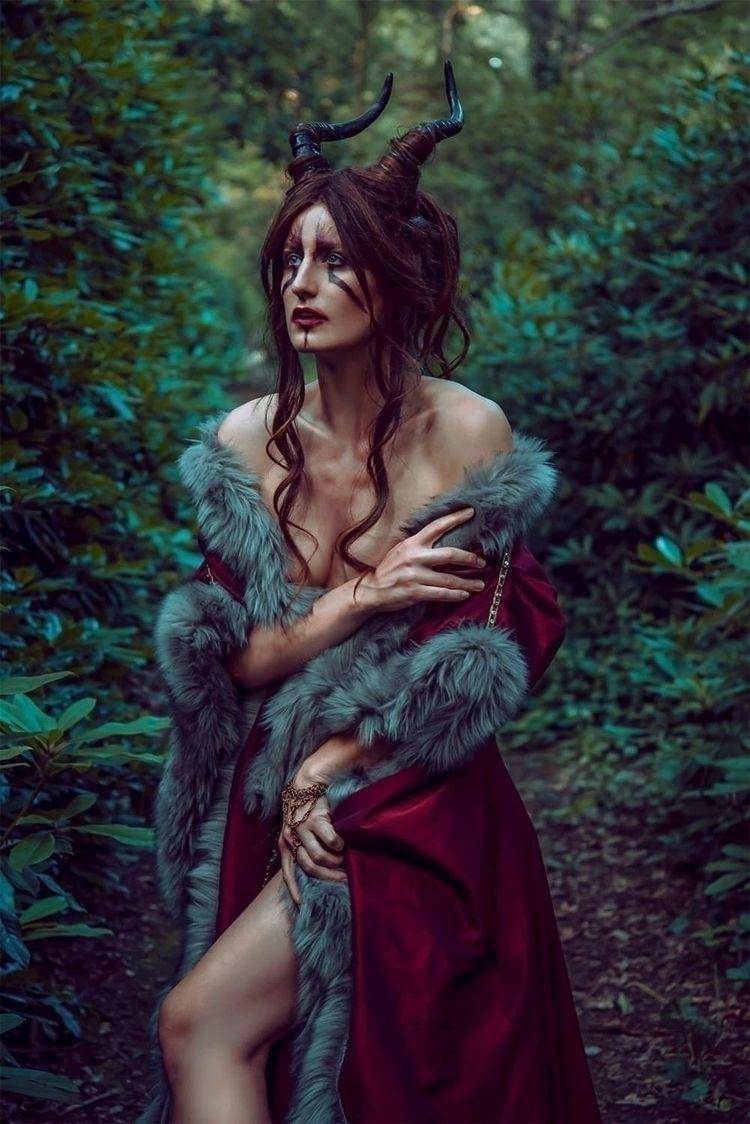 Photographer: Model: Kimberley  - saartjevandenhautemua | ello