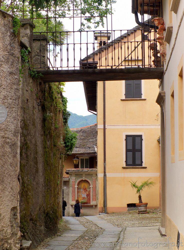 San Giulio (#Novara, Small brid - milanofotografo | ello