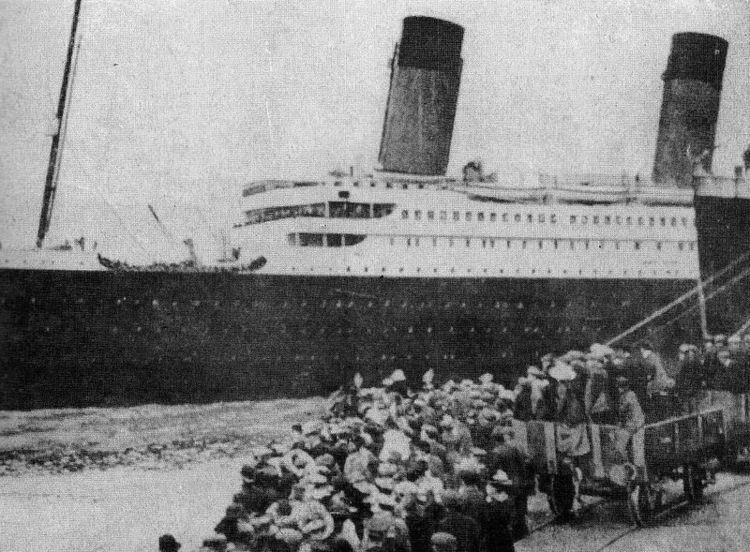 Titanic time departure. Origina - amrowebas | ello