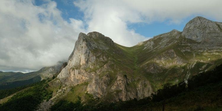 Picos de Europa hike, day 3: da - red_lenses | ello