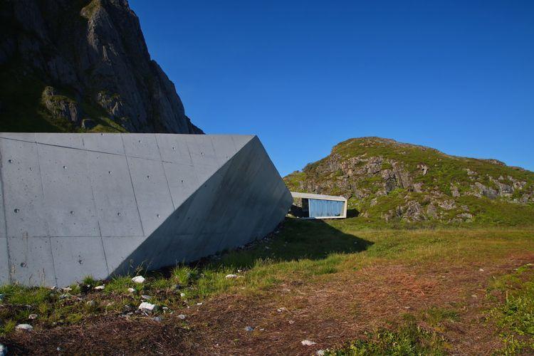 Nature people, Lofoten, Norway  - everydaybergen | ello