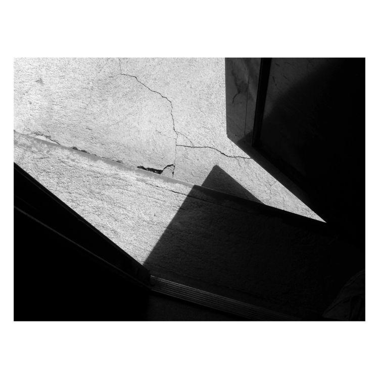 Broken Reality - bw, bnw, blackandwhitephotography - brthelemy | ello