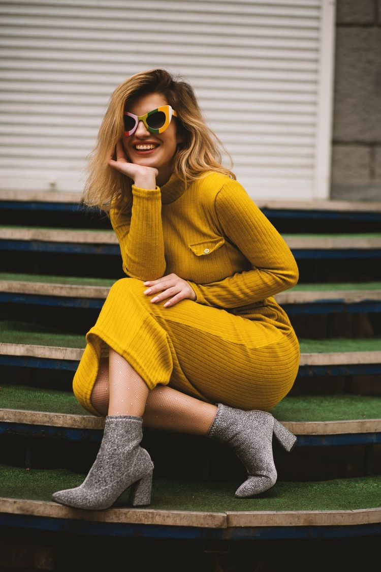 style style, define expresses  - boltposts | ello