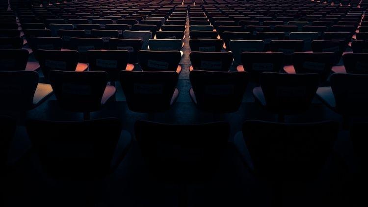 endless empty seating Birds Nes - tomleighton   ello