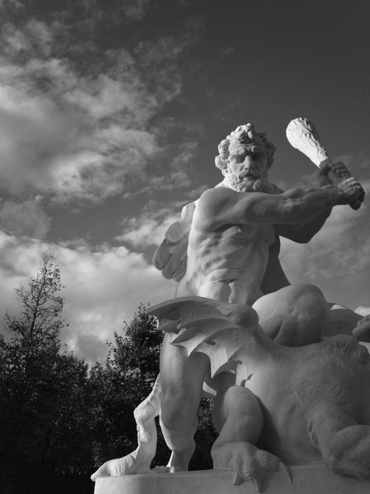 Muscleman - photography, monochrome - marcushammerschmitt   ello