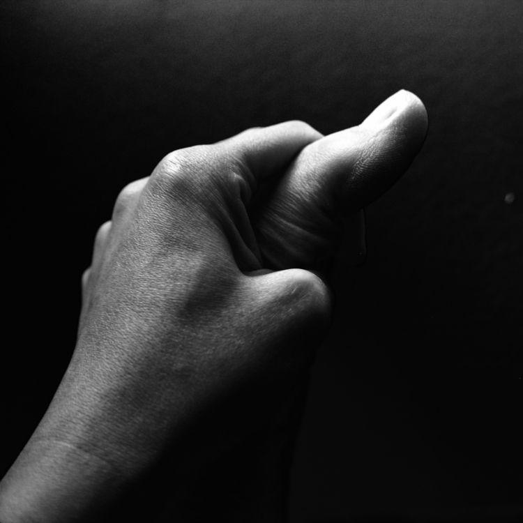 rule thumbs II - monochrome - leila_h | ello