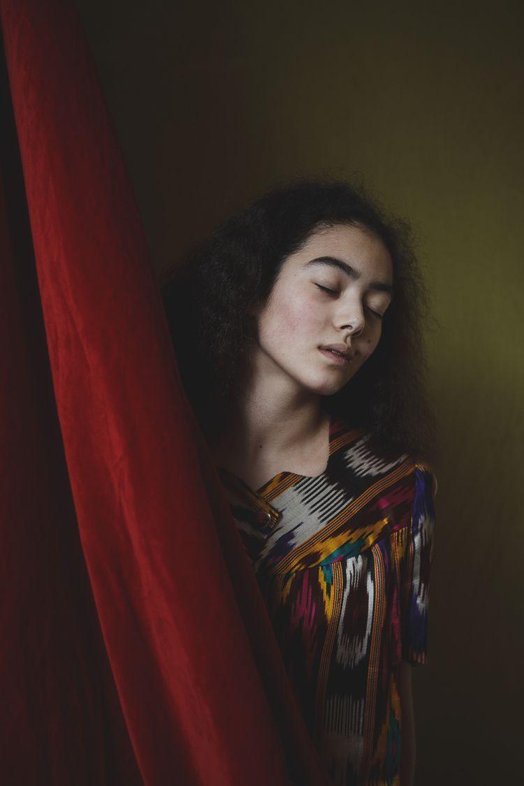 PHASE frame: Yasmina Mukhamedov - zokinatif | ello