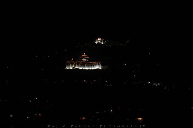 Rinpung Dzong Buddhist monaster - morpheus2004 | ello