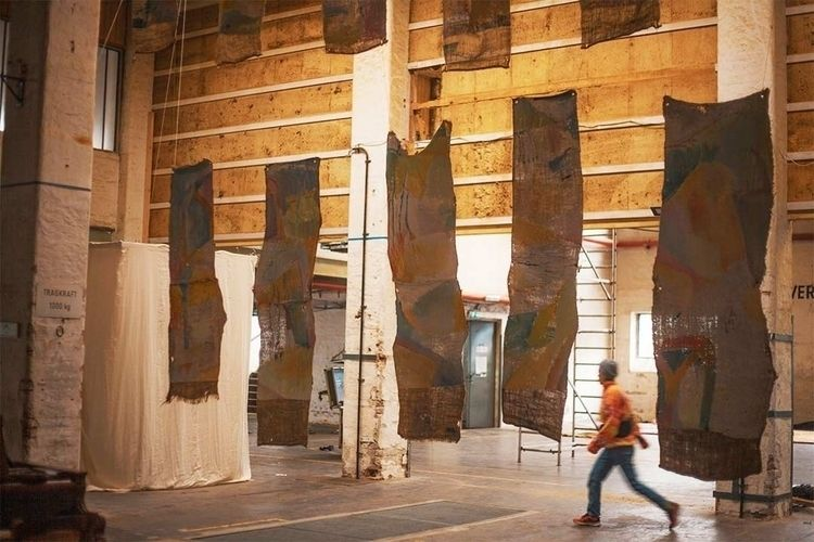 • Voulvoul Instalation exhibiti - maxans | ello