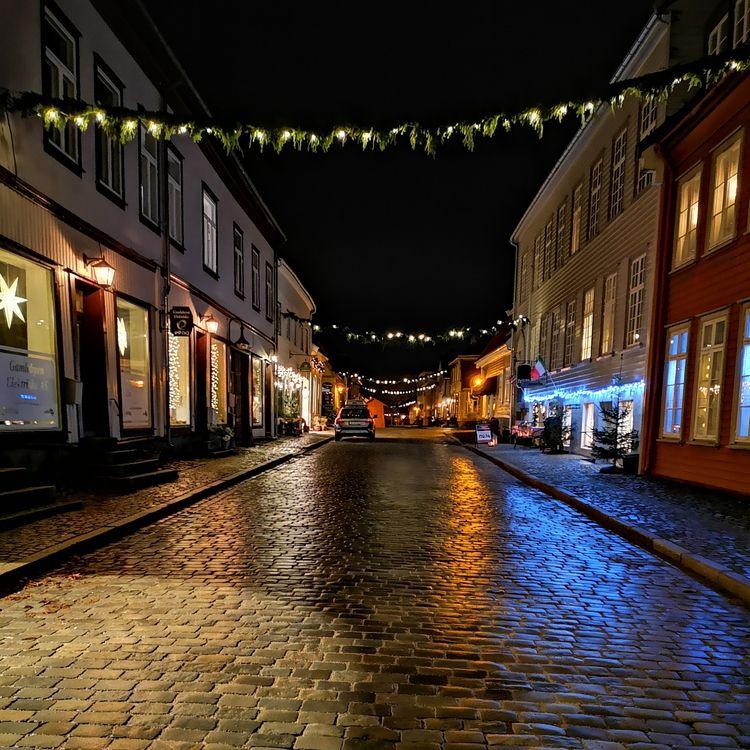 Town Fredrikstad Christmas time - stigergutt | ello