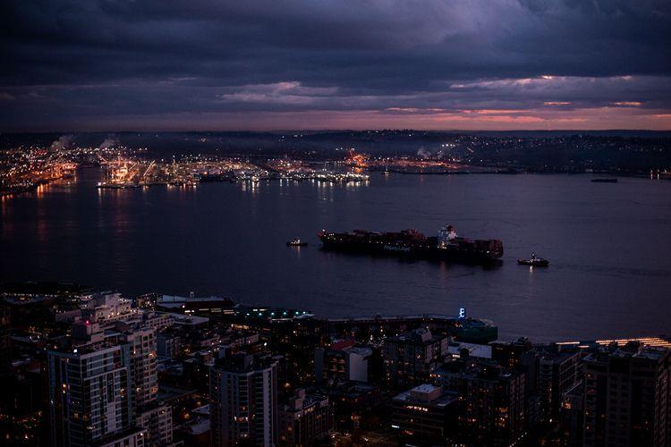 Blue hour sunset Seattle  - seattle - honeyrevenge-amor   ello
