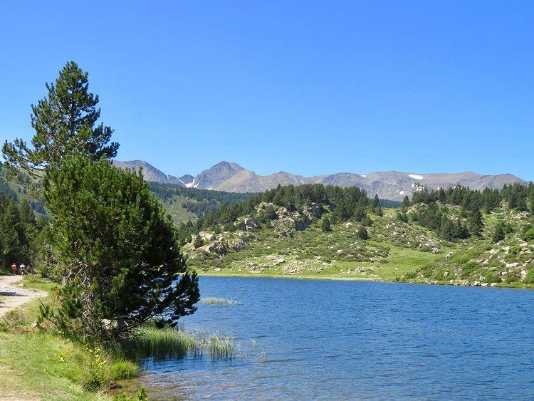 lake Pyrenees mountain, south F - jcd8 | ello