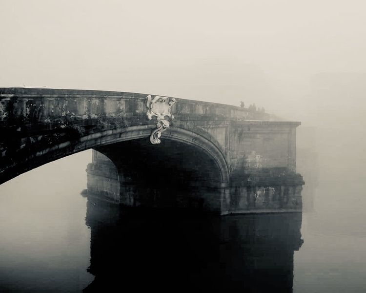 prow mist Ponte Trinita, Floren - momiroh | ello