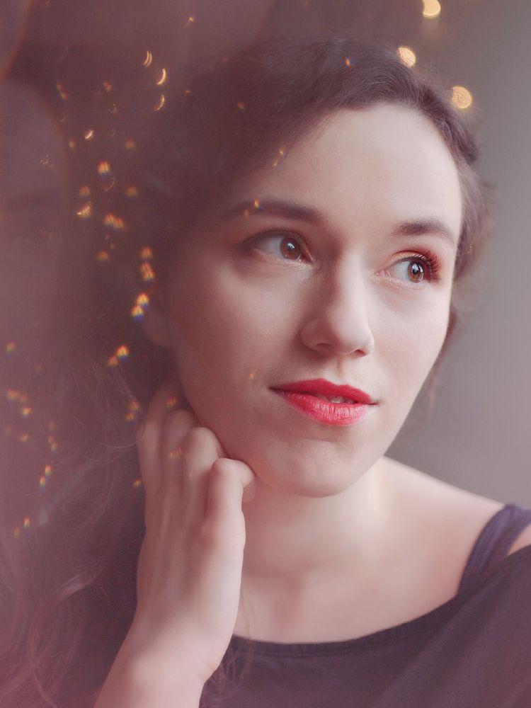 Kate   Portrait Light + prism e - minavte   ello