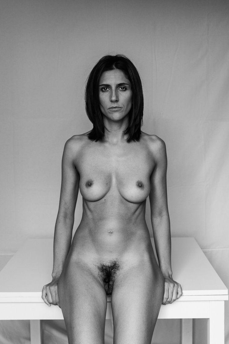 Nudo di donna, II - tomasospiga - tomasospiga | ello