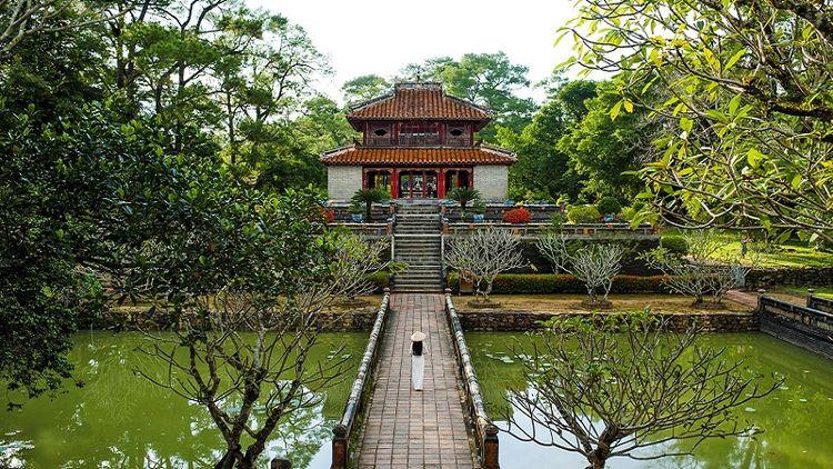 Minh Mang Tomb - adventurejourney | ello