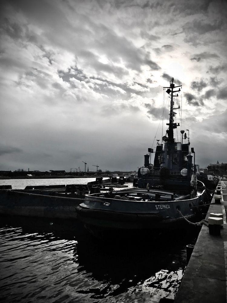 Dark Sky Szczecin - blueskipper   ello