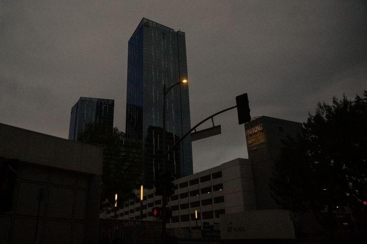 Los Angeles Days Pandemic 7th S - tchickphoto | ello