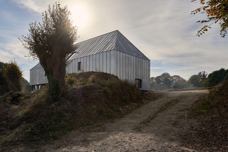 Modern Barn Houses Architectura - gessato | ello