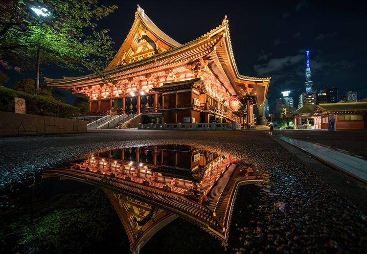 Reflection.     #浅草寺 - japam, tokyo - yoshirou   ello