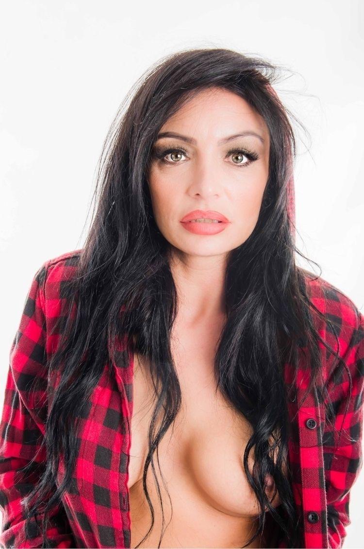 Bianca photoshoot lockdown - swalephoto | ello
