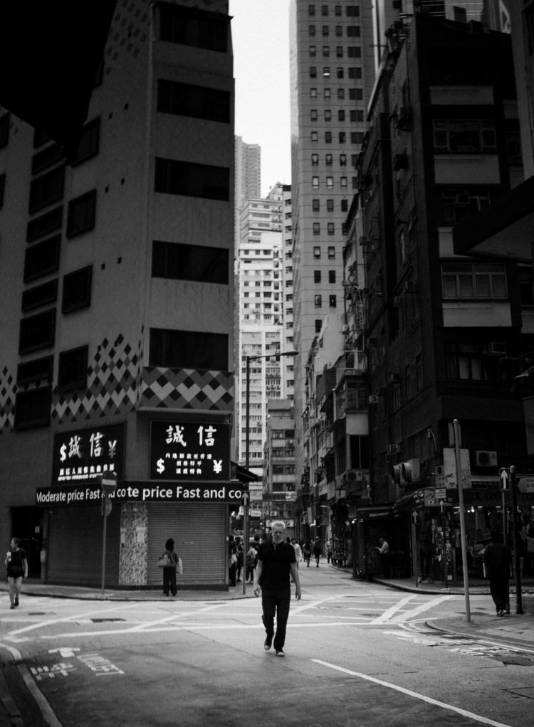 孤独な老人 - jonathan_tsc | ello