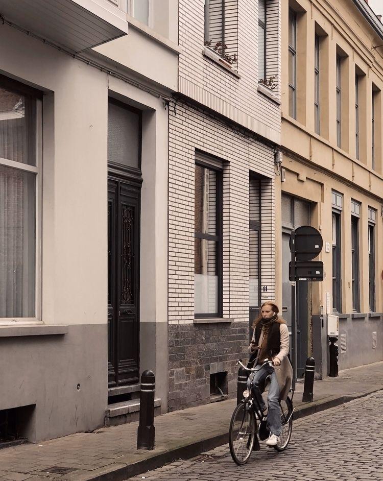 streetphoto - ninikk | ello