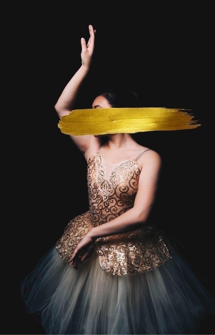 glitters gold • Model: Andrea - photography - ashley_vw | ello
