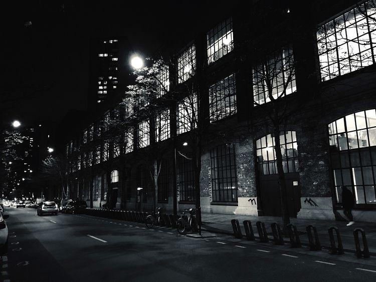 night, day bright  - streetphotography - jo-her | ello