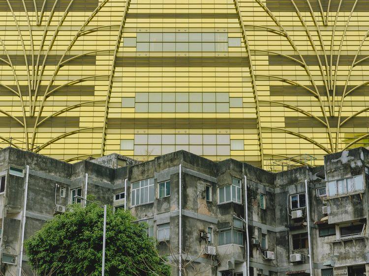 Grand Lisboa Casino, Macau - architecture - domreess | ello