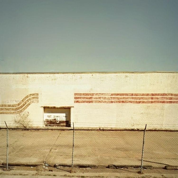 Walls / Quincy Avenue, Tulsa, O - dispel | ello