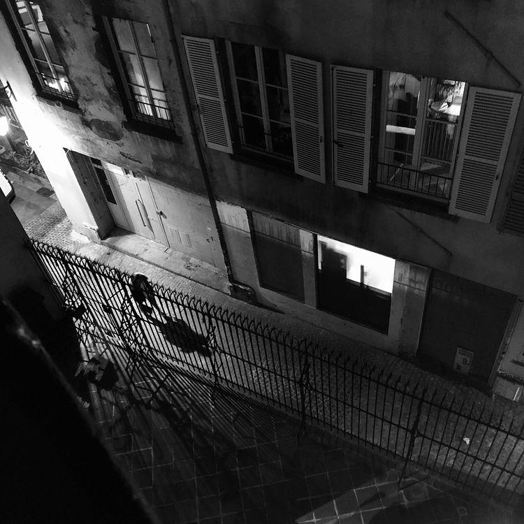 Walking street gonna meet  - streetphotography - jo-her | ello