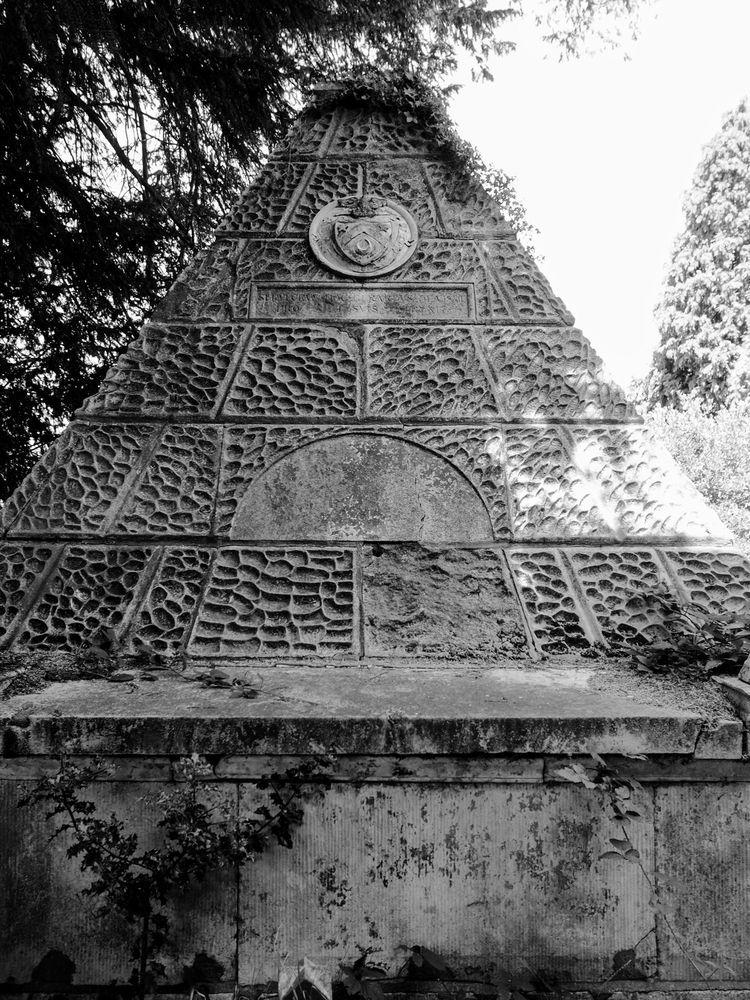 Pyramid Memorial Amazing pyrami - skazman | ello