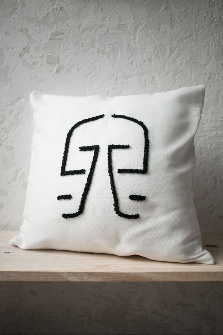 | almofada.02 01/01 embroidery  - lorenaczepaniki | ello