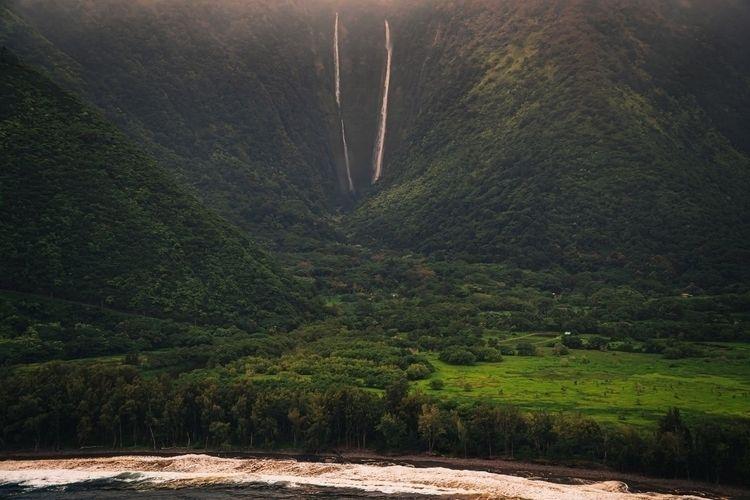 bit  - helicopter, hawaii, waterfall - fokality   ello