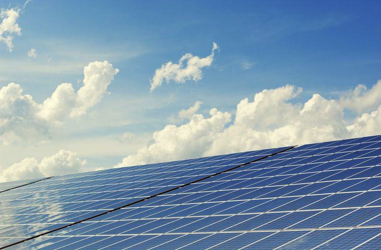 Solar Panels Reducing Energy Bi - max_ruby | ello