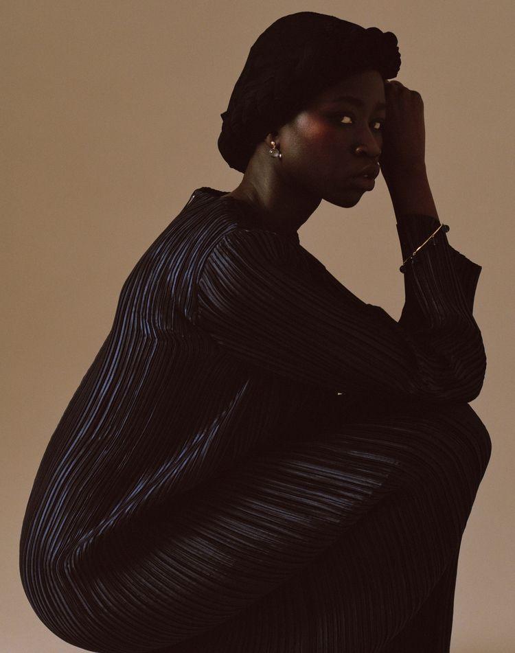 LA, hair artist Chanel Cross wo - fabrik | ello