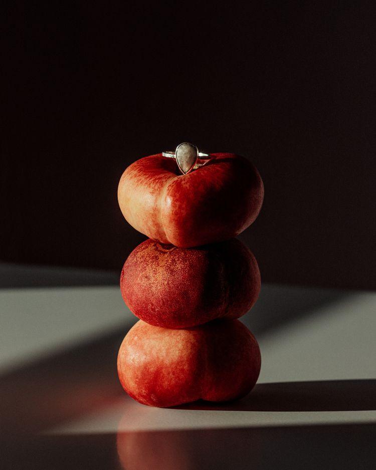 peaches, Pistol Peach alinatrif - alinatrifan   ello