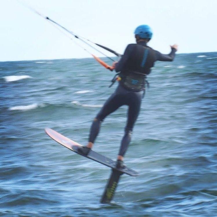 Kitesurfing, kitefoil - oceanromeo | ello