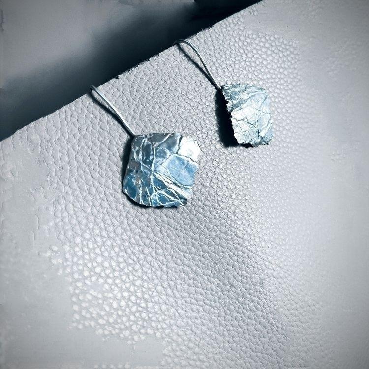 Earrings. silver. paper texture - mariaelen | ello