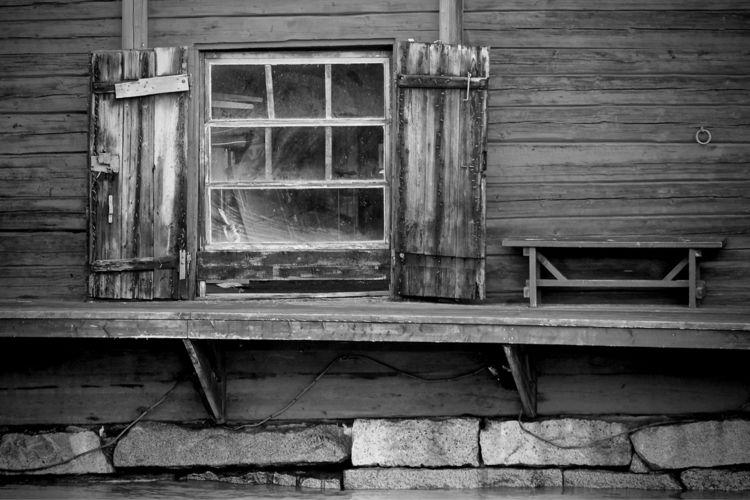 town, Porvoo Finland - window, bench - taari   ello