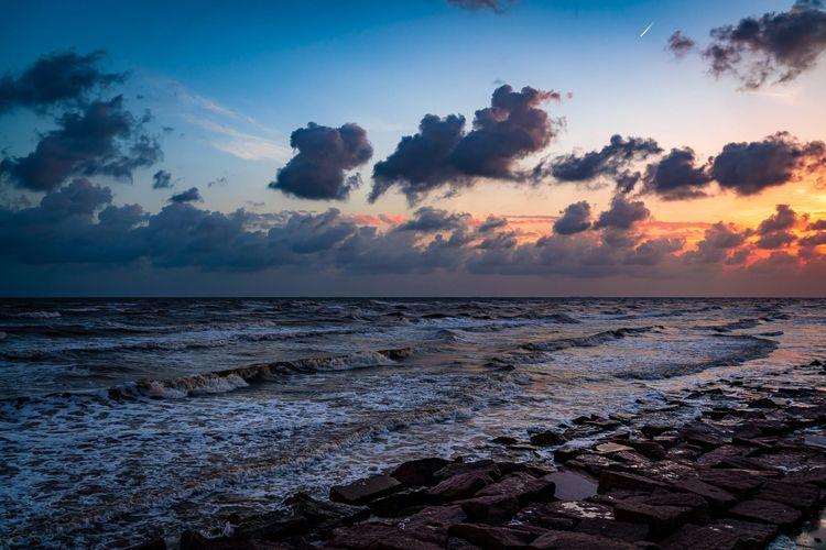 Morning Gulf Coast sun rises Me - 75centralphotography | ello