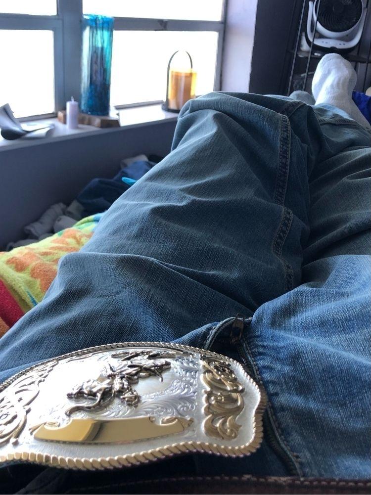 Relaxing - mycroftmanor | ello