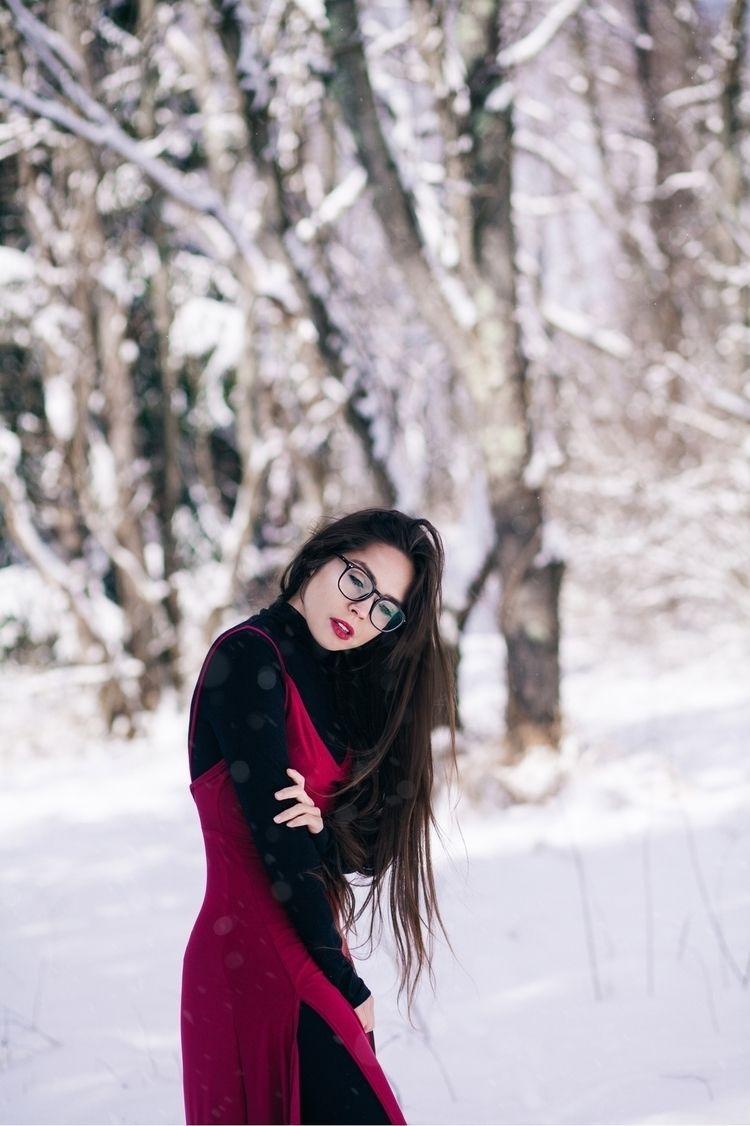 snow daze patreon.com/RachelDas - racheldashae   ello