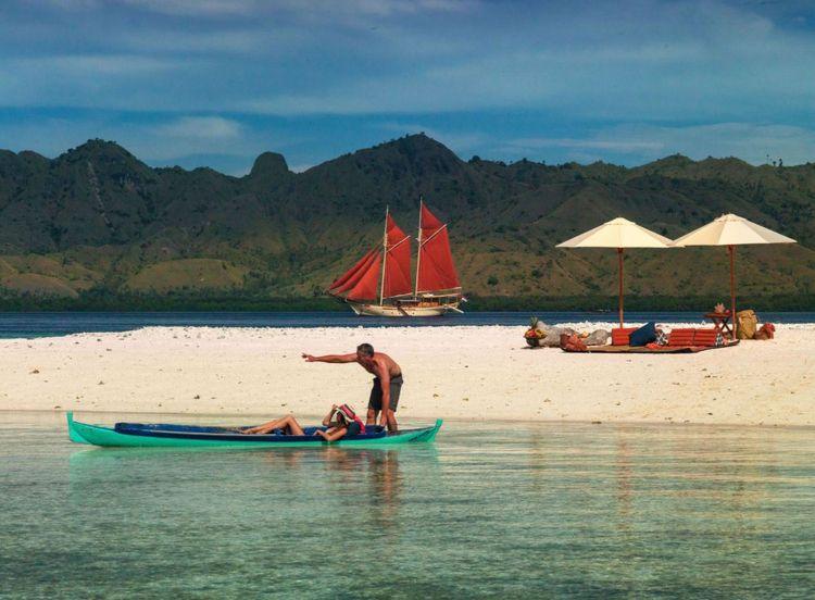 Komodo Island place visit lifet - yunatakanata | ello