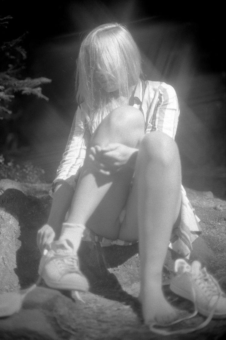 Sophie. leaving peaceful lake  - mrchill1979   ello